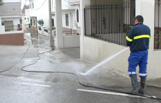 limpieza y baldeo de superficies en sevilla