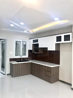 Nhà bán cao cấp với kệ bếp hiện đại phù hợp với concept tổng thể ngôi nhà