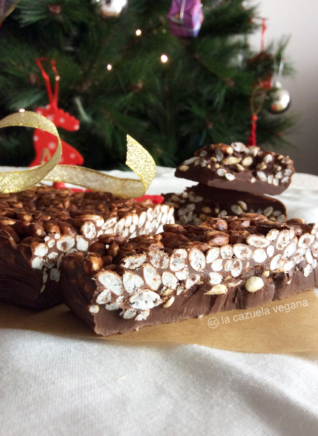 Turrón vegano de chocolate y arroz inflado