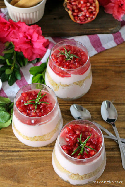 pomegranate-cheesecakes-in-a-jar, vasitos-de-cheesecake-de-granada