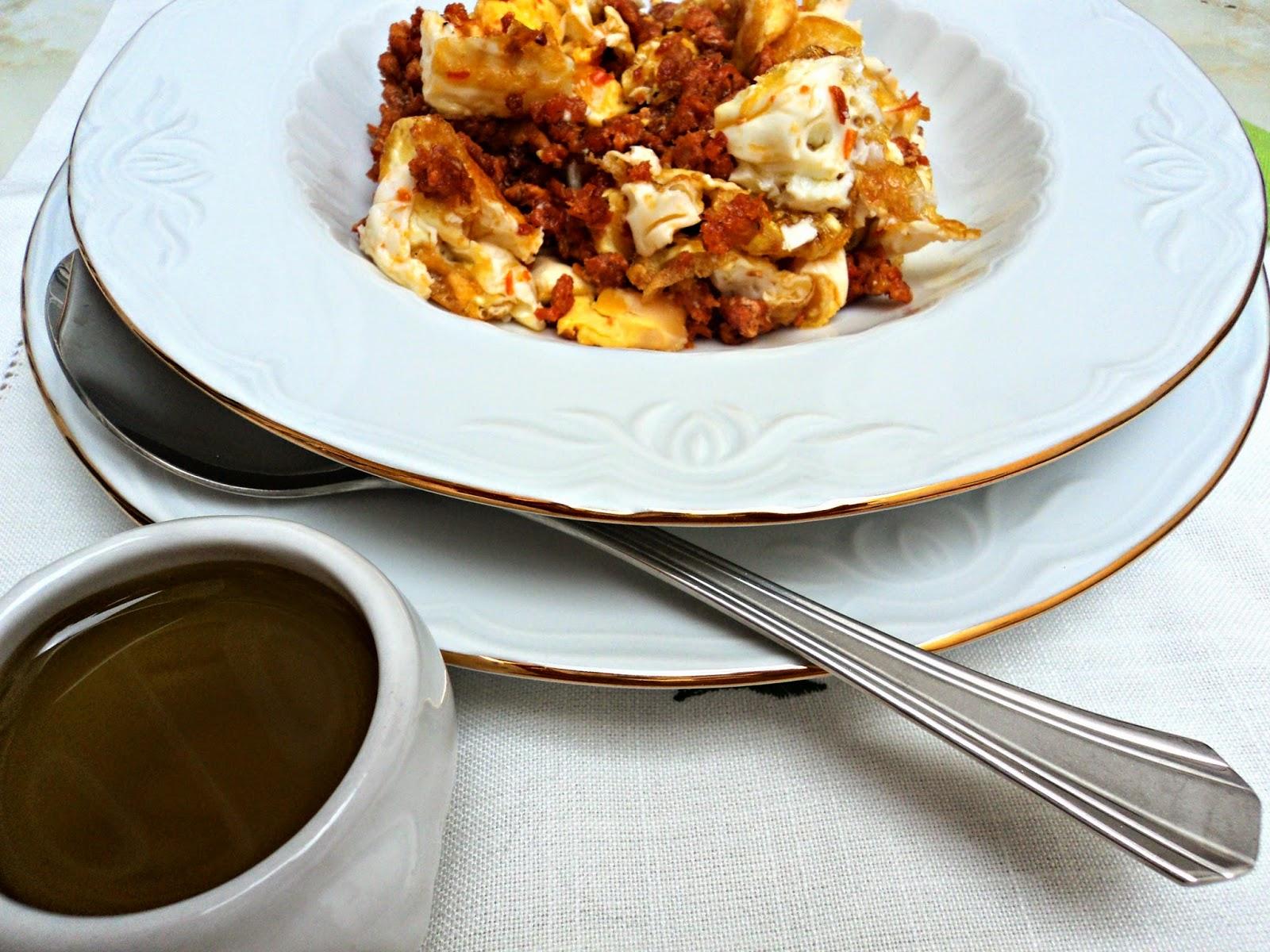pasta-chorizo-huevo-servido