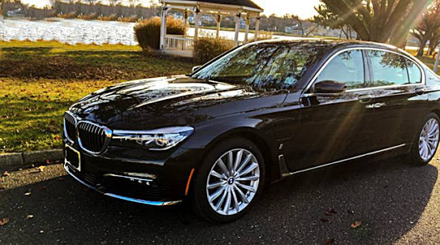 2017 BMW 740e xDrive iPerformance Plug-In Hybrid