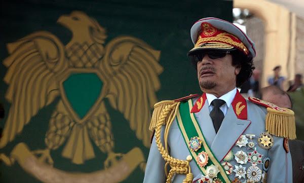Σαν εχθές:Ο φρικτός θάνατος του «δικτάτορα» Καντάφι από τους δημοκράτες ίδια ιστορία διαχρονικά παντού (!)