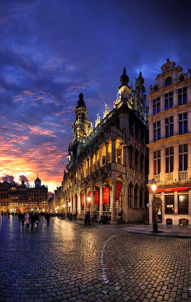 10 Best Places to Holiday in Belgium (100+ Photos) | King House, Great Market, Brussels, Belgium