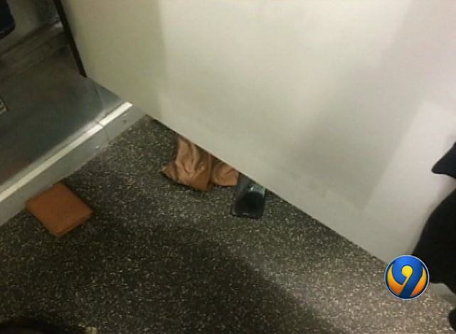 Teen in changing room, japanese dildo