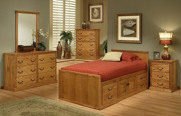 Furnitur kayu tempat tidur ada lacinya
