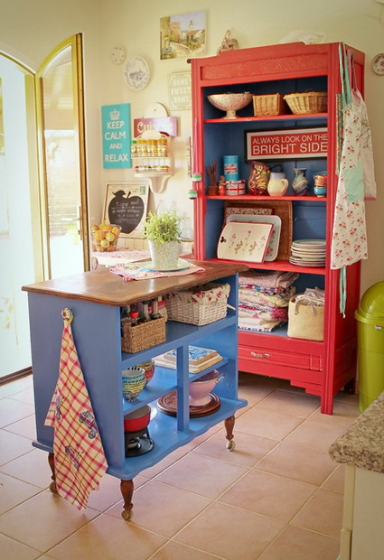 Kitchens with lots of color 4