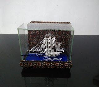 kapal konstitusi mini