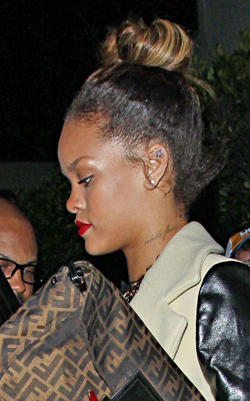 6footlonghair Rihanna Phony Pony S