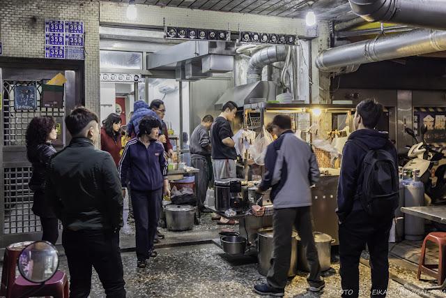 MG 1865 - 牛肉宋,中華夜市內隱藏版人氣熱炒,炒牛肉鹹香涮嘴份量大方,不排隊根本吃不到!