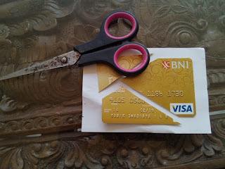 potong_kartu_Kredit