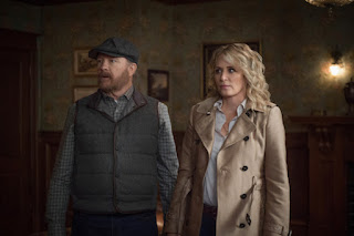 "Jim Beaver as Bobby Singer and Samantha Smith as Mary Winchester in Supernatural 14x05 ""Nightmare Logic"""