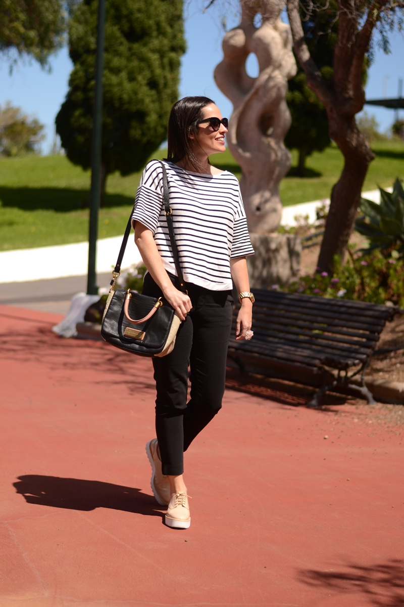 zara-navy-jumpler-and-bluchers-outfit-street-style