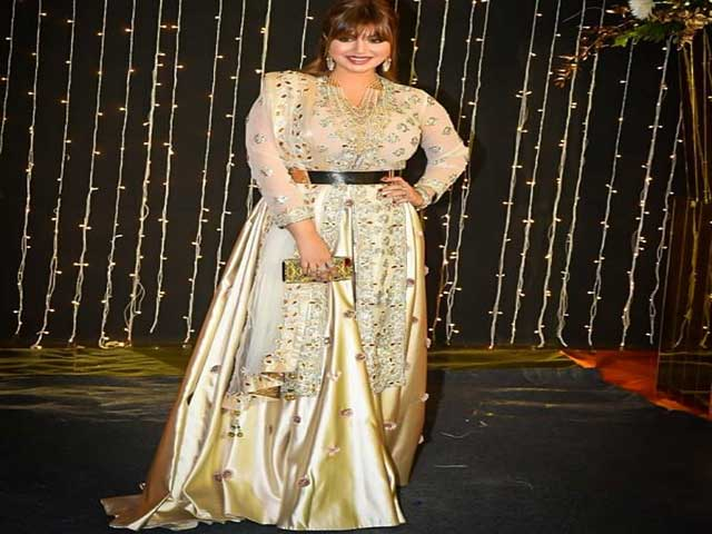 ayesha-takia-seen-in-nick-priyanka-wedding-reception-video-viral