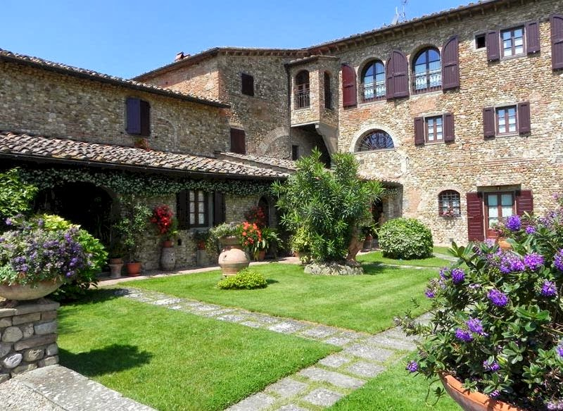 A wonderful place to stay in Tuscany, not far from Florence.