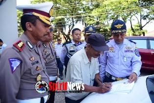 Direktorat Lalu Lintas Polda Sulsel dan Dinas Perhubungan Lakukan Razia Taxi Online