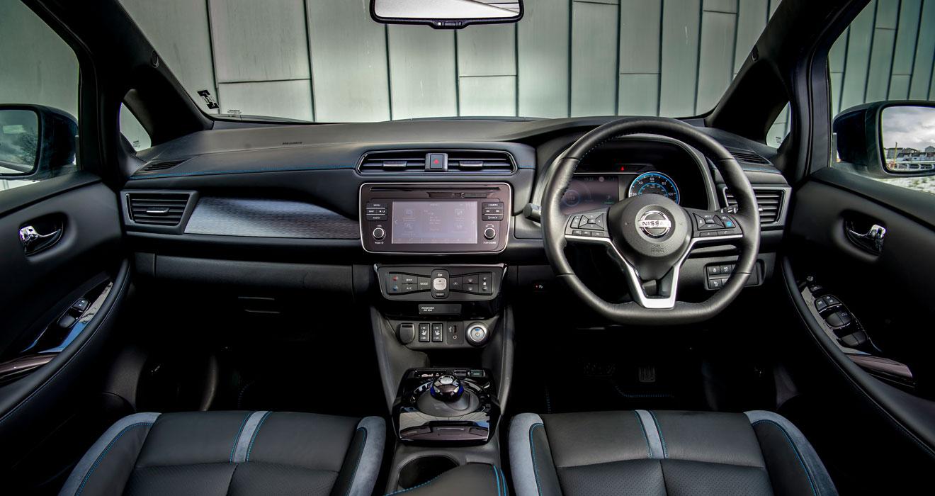 Nissan Leaf 2 front interior