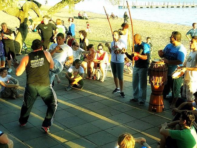 Capoeira no Calçadão de Ipanema, em Porto Alegre