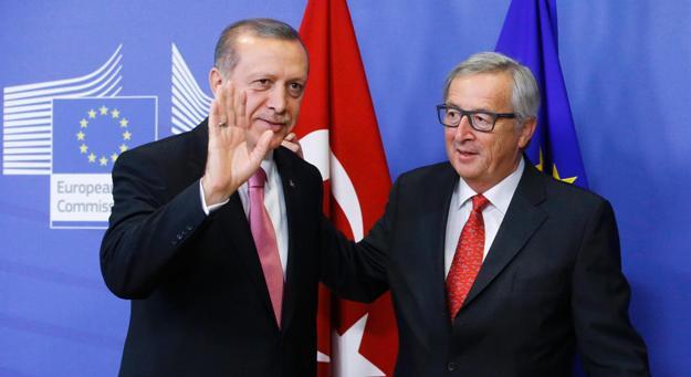 """Η """"δημιουργική ασάφεια"""" του Γιούνκερ για την Τουρκία"""