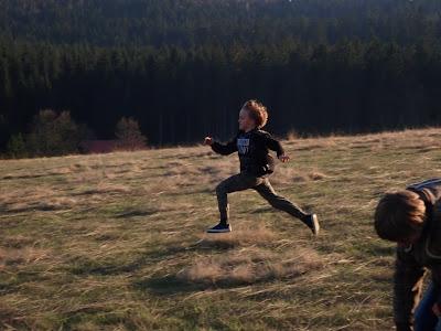 Skąd dzieci mają tyle energii, jak zmęczyć energiczne dziecko