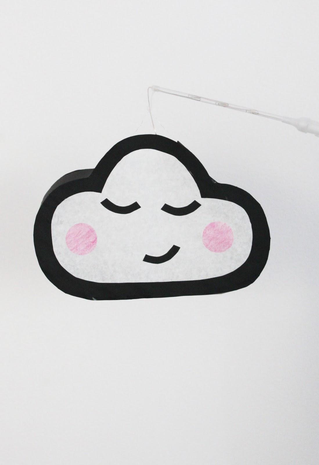 selbstgebastelte Laterne in Form einer Wolke