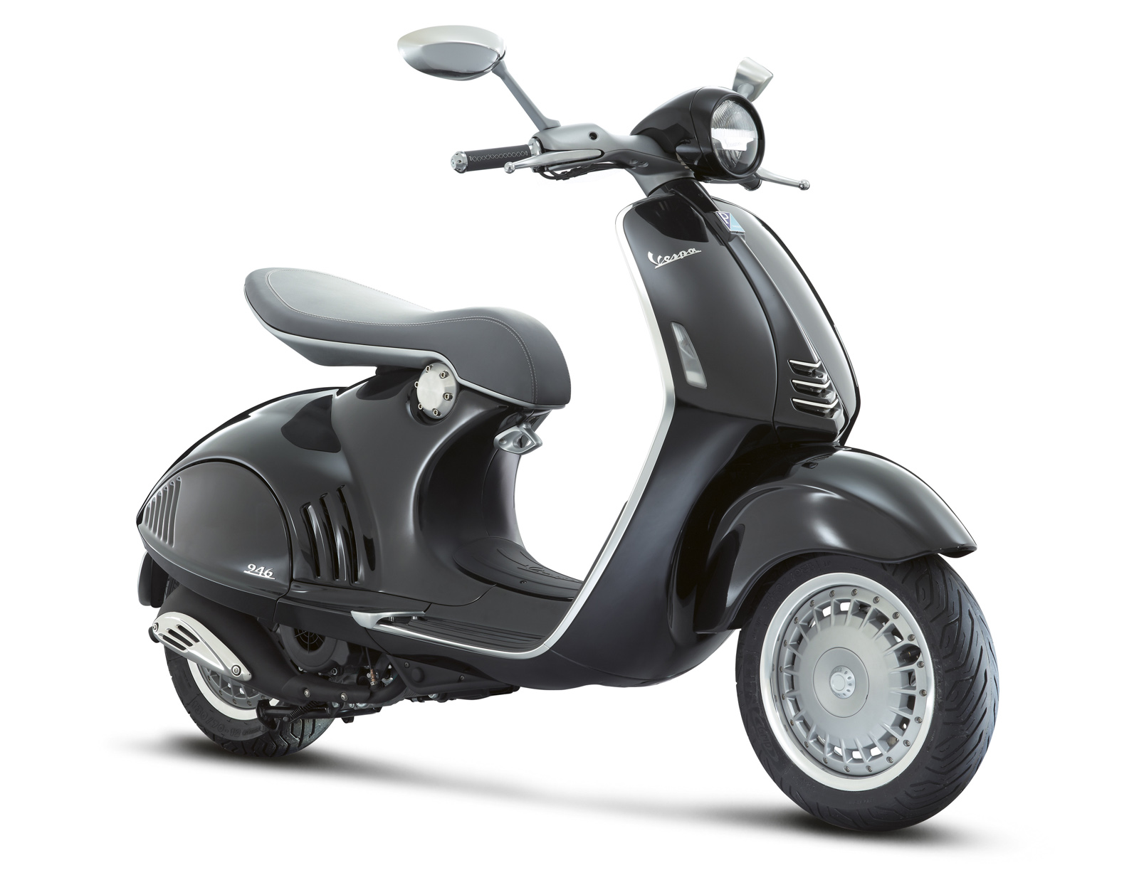 2013 piaggio vespa 946 automatic scooter. Black Bedroom Furniture Sets. Home Design Ideas