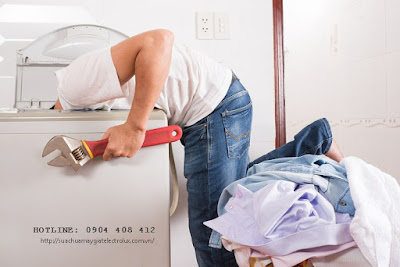 Sửa lỗi máy giặt Electrolux xả nước liên tục