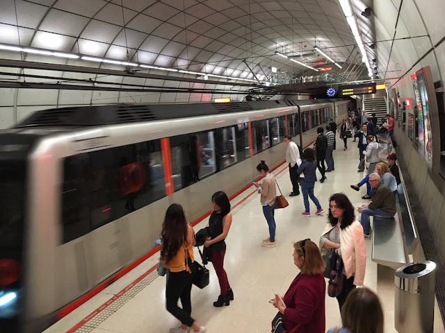 Parada de metro en Barakaldo