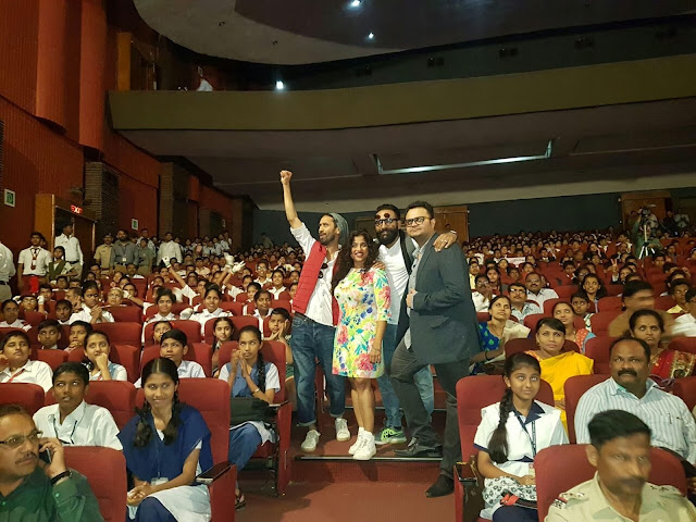 From (L-R) - RJ Abhilash, RJ Malishka, RJ JMAN, RJ Rishi Kapoor with Kids on 10th January 2017