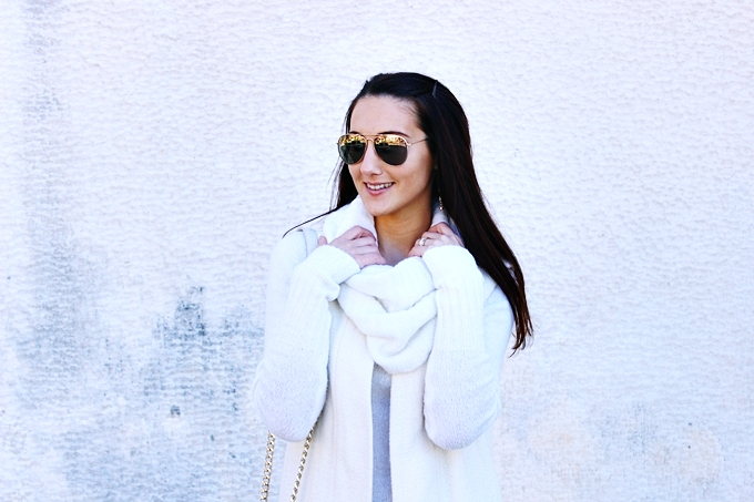 White turtleneck dress.H&M gold sunglasses.