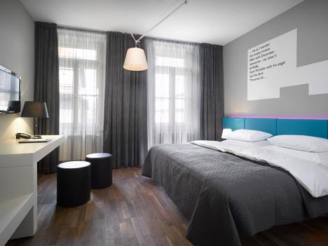 Die wohngalerie april 2011 for Design hotel praga