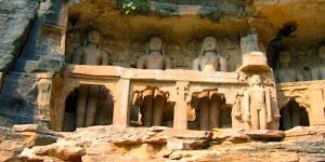 Tirthankara yang berada di Kuil Jain