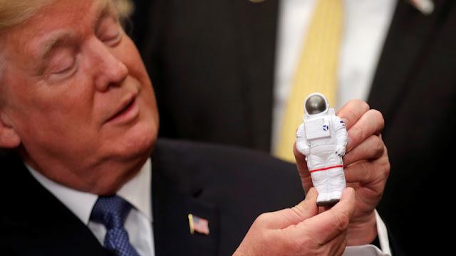 Trump emite una orden para crear un Comando Espacial
