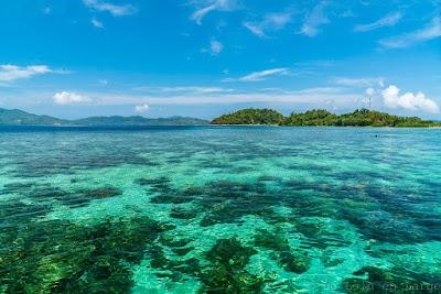 Island-hopping-Port-Barton-Philippines