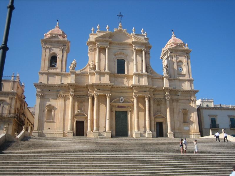Noto y Siracusa: De la Sicilia Barroca a la patria de Arquímedes