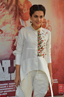 Taapsee Pannu Looks Super Cute in White Kurti and Trouser 24.JPG