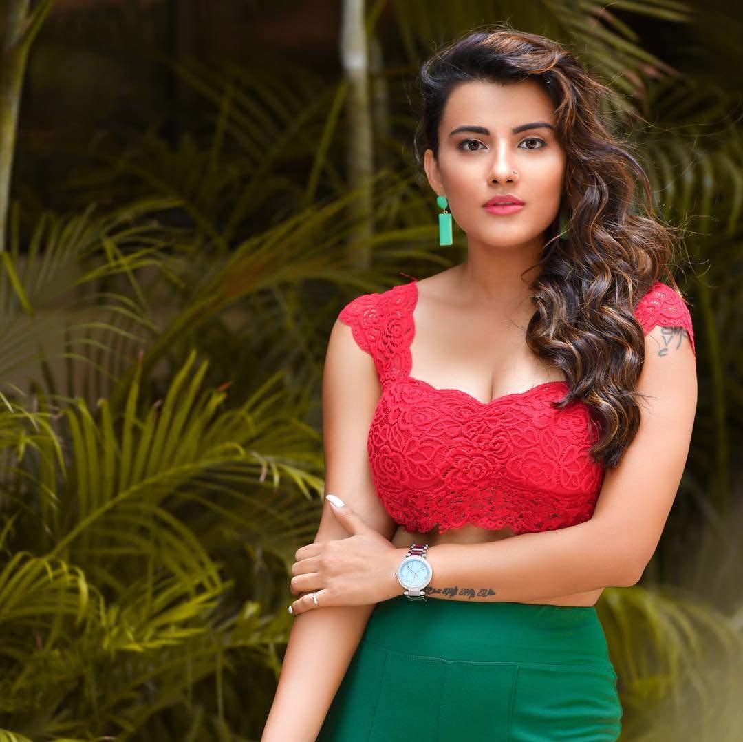 actress jyotii sethi latest hd photos