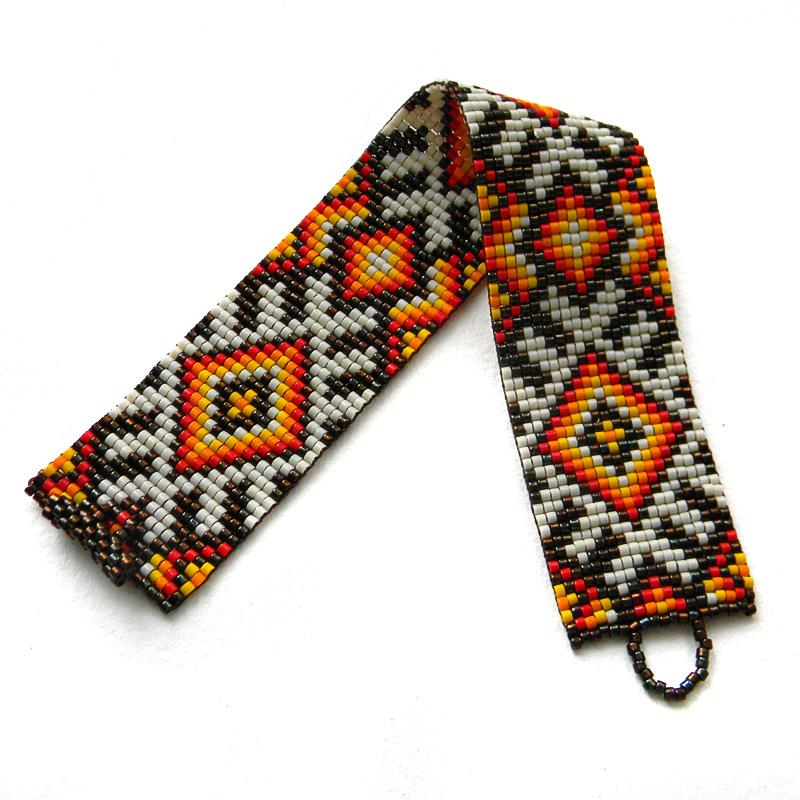 Купить интересный браслет из бисера в этническом славянском стиле