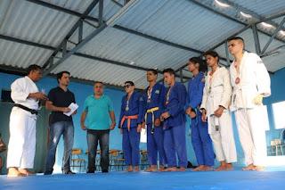 Secretário de Juventude, Esporte e Lazer da Paraíba visita Instituto dos Cegos e entrega tatames para a prática de artes marciais