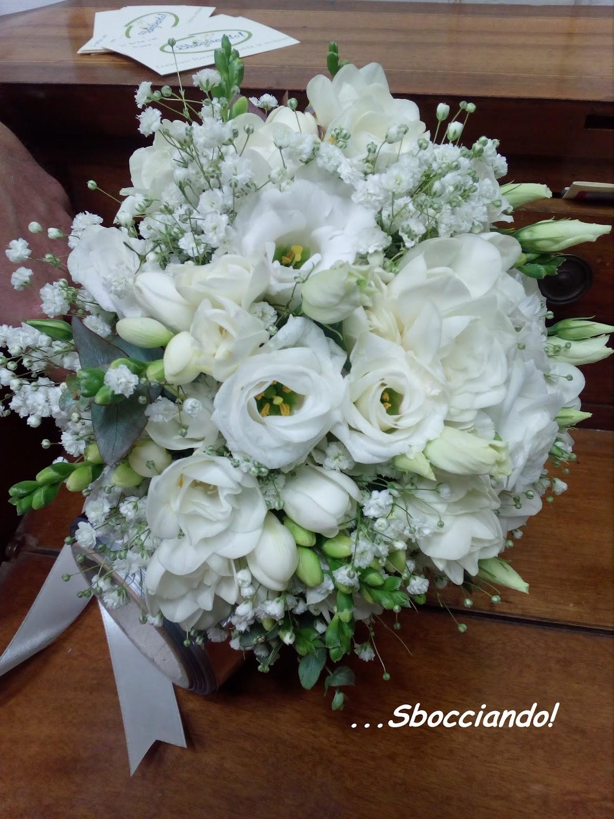 Bouquet Sposa Lisianthus.Sbocciando Bouquet Da Sposa
