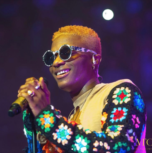Wizkid goes blonde again!