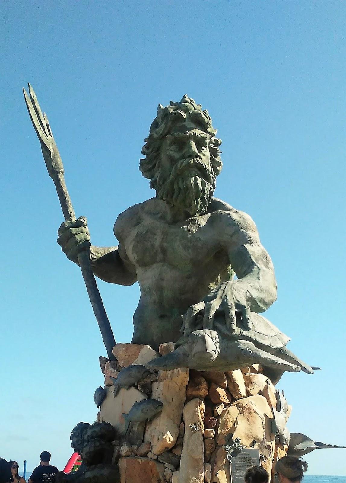 Статуя нептуна картинки включают основные