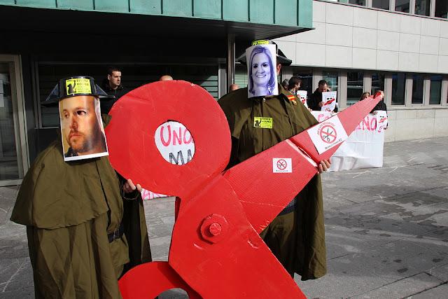 Protesta antirrecortes, por la plataforma Berri-Otxoak