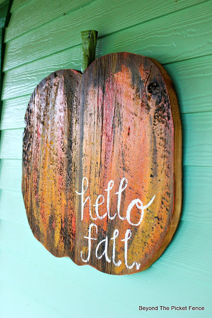 pumpkin sign, reclaimed wood, salvaged sign, https://goo.gl/wdYz0C
