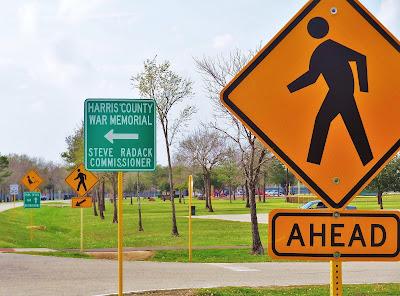 War Memorial Drive / Bear Creek Pioneers Park