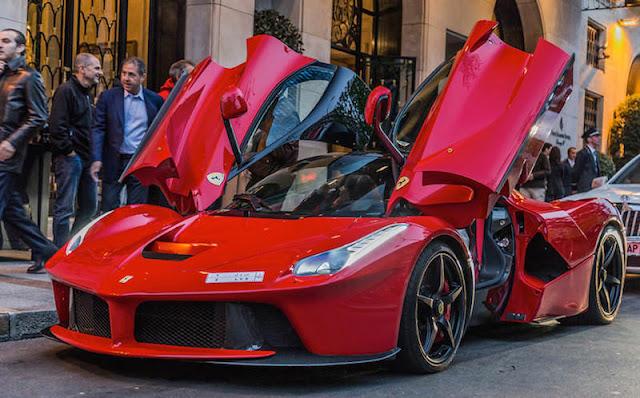未発表の「ラ フェラーリ・スパイダー」がプライベートイベントで一部顧客向けに先行発表?