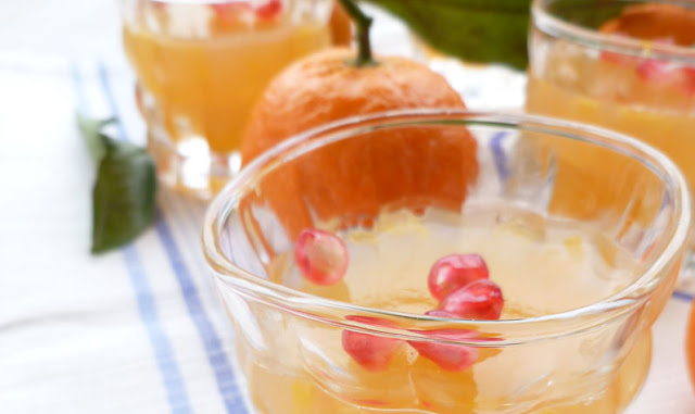 Gelatina di clementine al rosé con chicchi di melagrana