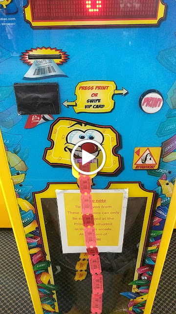 Llandudno Pier: Animated gif of the carnival games ticket machine