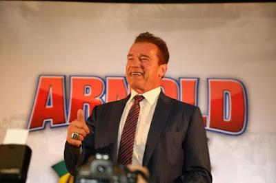 Arnold Schwarzenegger é campeão da simpatia em São Paulo