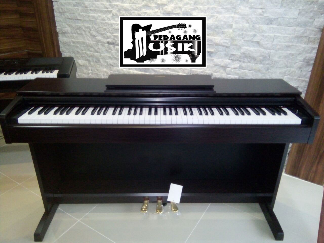 jual baru yamaha digital piano segel garansi 1 tahun ydp143 digital piano yamaha ydp. Black Bedroom Furniture Sets. Home Design Ideas